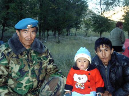 Erik,son père Tabaldi,et,sa petite soeur  Malika