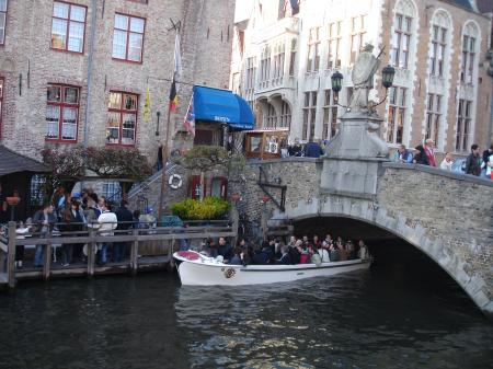 Bruges est aussi appelée..