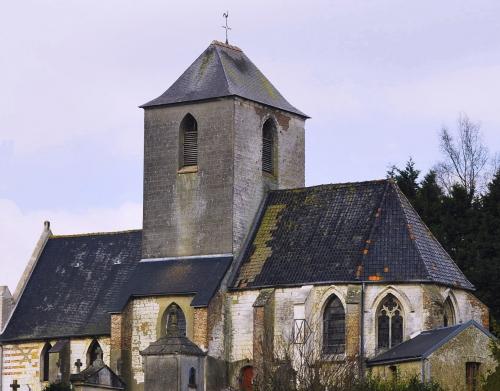 eglise d'Enquin sur Baillons.jpg
